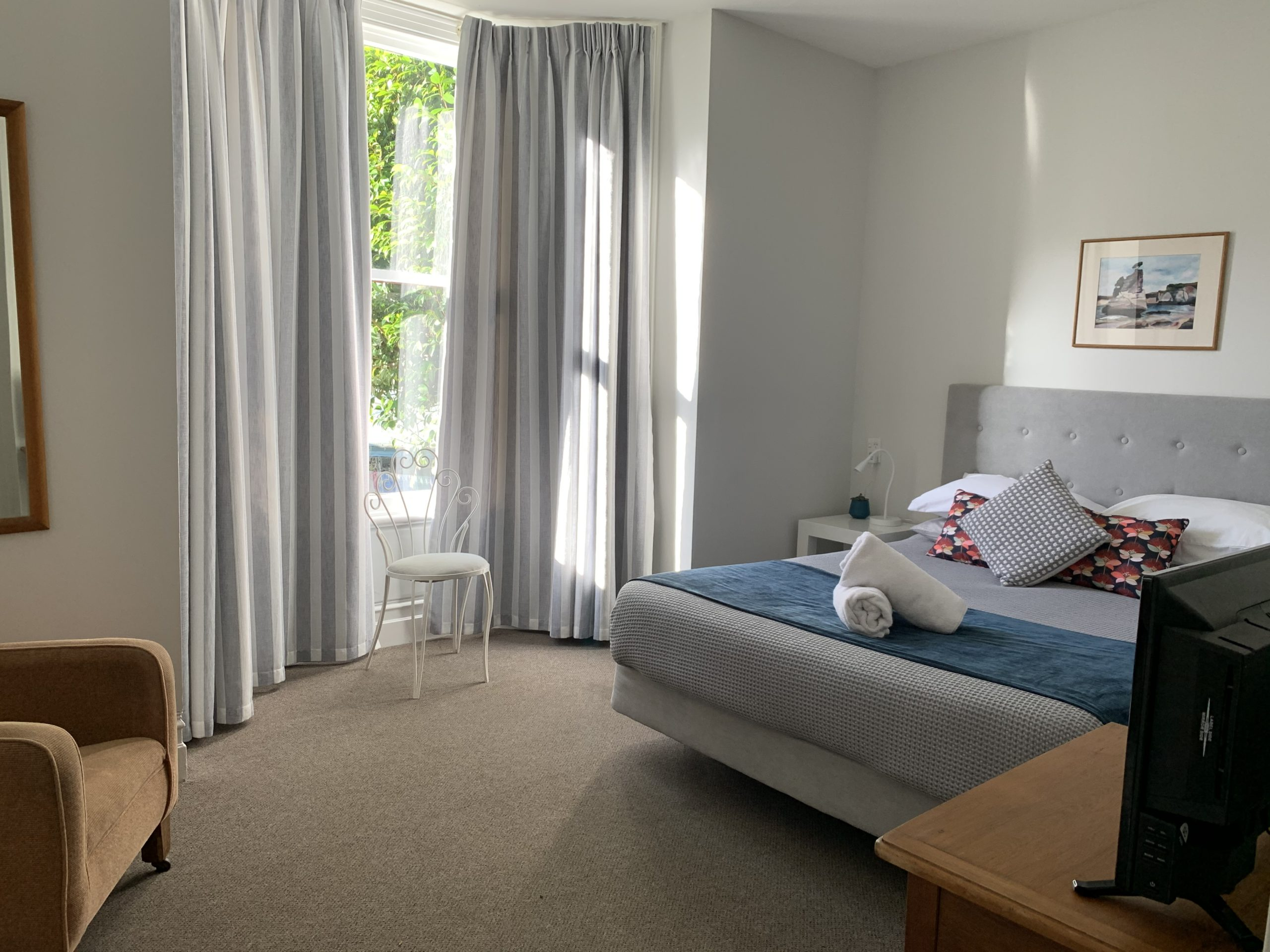 Private Rooms At The Villa Backpackers Lodge In Picton Marlborough NZ